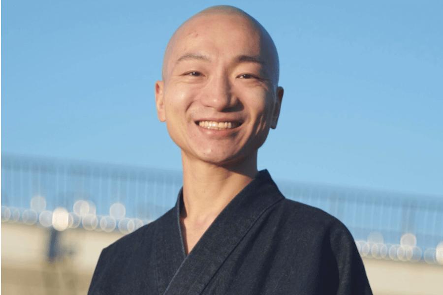 Beatboxing monk Yogetsu Akasaka.