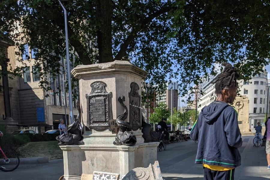 Dismantling of statues in Bristol